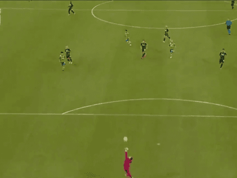 ¡ESTÁ DEMENTE! Golazo impresionante de Raúl Ruidíaz con Seattle Sounders en la MLS