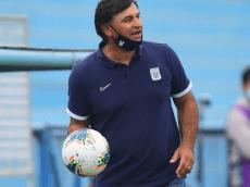 Carlos Bustos prepara once diferente para enfrentar a Sport Boys este domingo
