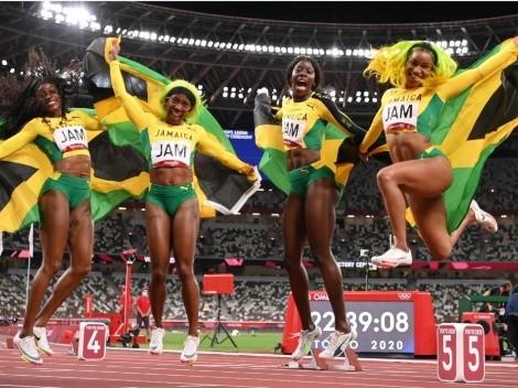 Elaine Thompson y Jamaica dominan el relevo 4x100 metros femenino