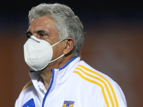 La afición de Tigres pidió por la vuelta del Tuca Ferretti