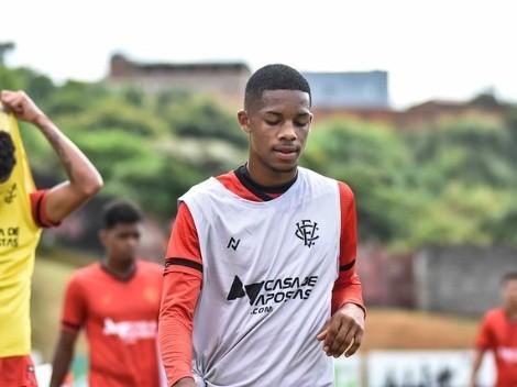 Athletico estuda proposta por LE Pedrinho, destaque do Vitória