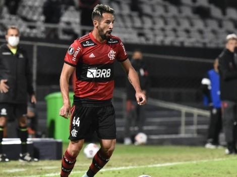 Isla es baja en Flamengo ante Olimpia y preocupa a Martín Lasarte