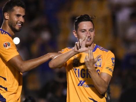 André-Pierre Gignac celebró gol de Florian Thauvin cerca del campo