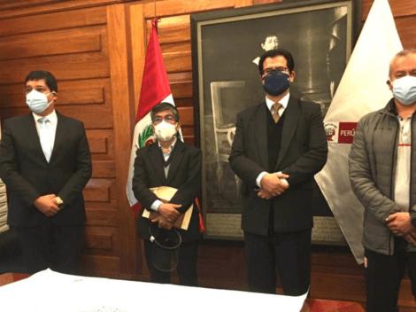 Lo están trabajando: Gobierno del Perú junto a Federación Peruana de Fútbol analizan el regreso del público