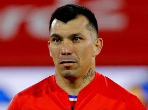 La dura respuesta de Medel a hincha que criticó la falta de gol de La Roja