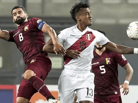 """Renato Tapia respondió con desprecio a periodista deportivo: """"Me molestaría, pero nadie te conoce"""""""