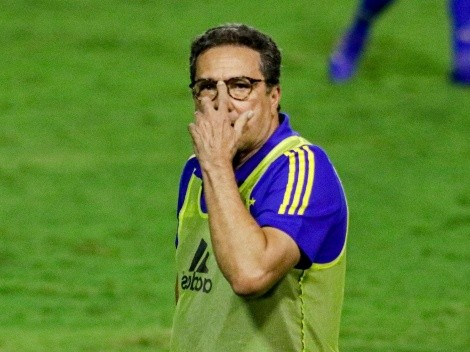 Luxa chama a responsa e 'fecha' grupo do Cruzeiro
