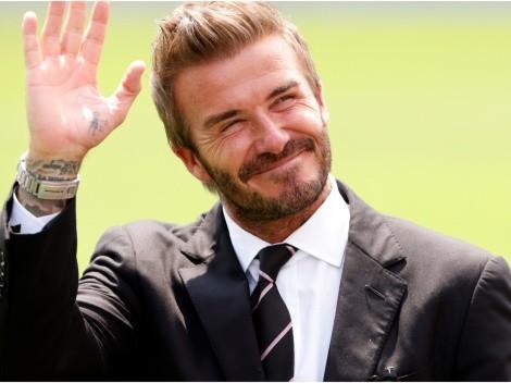 David Beckham y uno de sus mejores tiros libres fue recreado a la perfección en FIFA