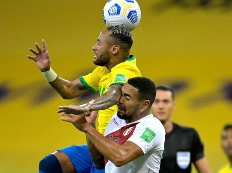Neymar metió tremendo puño y solamente le mostraron amarilla