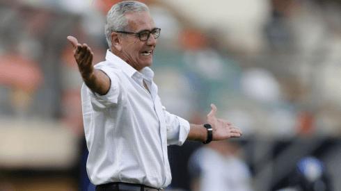 El debut de Gregorio Pérez: Universitario de Deportes se juega la temporada 2021 ante San Martín