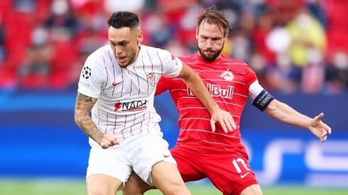 Lucas Ocampos of Sevilla against Andreas Ulmer of RB Salzburg. (Getty)