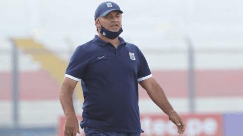 """Carlos Bustos contento por el rendimiento de su equipo: """"Los referentes entendieron su rol"""""""