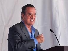 Raúl Orvañanos se burló de La Última Palabra porque siempre hablan de América