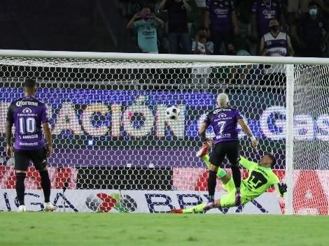 Le llueve sobre mojado a Pumas; ya pierde con un polémico penalti