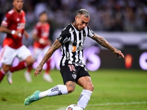 Eduardo Vargas se matriculó con un gol en goleada de Atlético Mineiro en Brasil