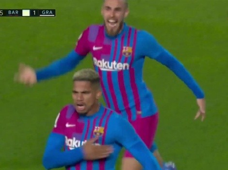 VIDEO: Araujo salvó al Barcelona con un enorme cabezazo