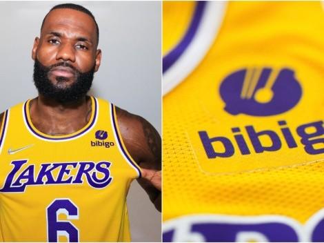LeBron luce el nuevo jersey de Lakers que trae $100 millones de dólares
