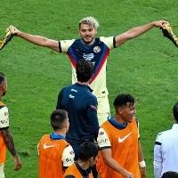 El festejo de gol que prepara Henry Martín frente a Chivas