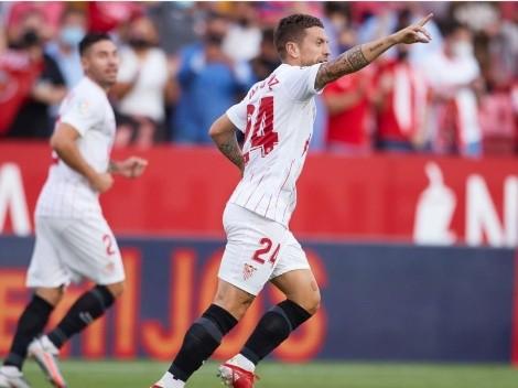Con aporte argentino, Sevilla derrumba a Valencia y se prende arriba