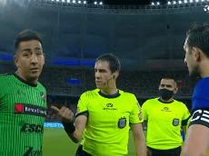 "VIDEO: Ibáñez ""durmió"" a Izquierdoz en el sorteo, pero no le salió bien"