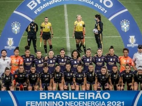 Corinthians lança terceira camisa e meninas estrearam neste domingo