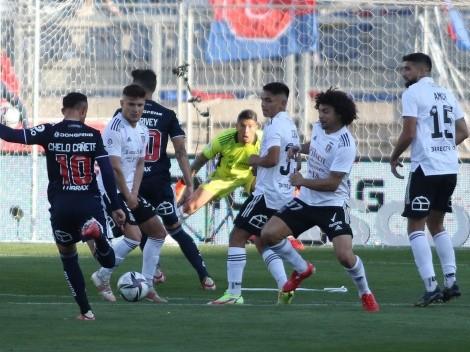 Maximiliano Falcón bromea con Brayan Cortés en el gol azul