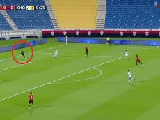 En qué te metiste, James: insólito gol le hicieron al Al-Rayyan en Catar