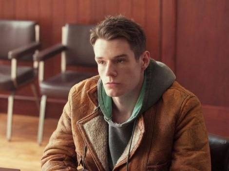 La trágica vida de Connor Swindells antes de Sex Education