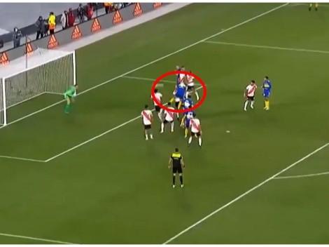 ¡Con suspenso! Con un gran cabezazo, Carlos Zambrano marcó en el Boca vs River en la última jugada