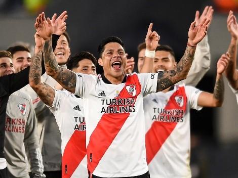VIDEO: el gesto de Enzo Pérez a Julián Álvarez en pleno Superclásico