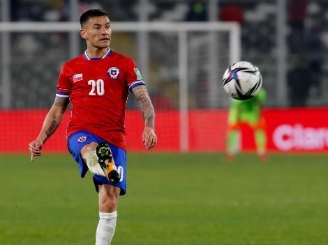 Informan que Aránguiz se realizará exámenes médicos llegando a Chile