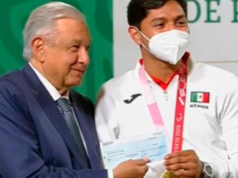 AMLO entrega premios a medallistas de los Juegos Olímpicos y Paralímpicos de Tokio 2020
