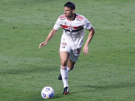 """Após gol marcado, Calleri manda recado para Crespo após saída do São Paulo: """"Venceremos por ele"""""""