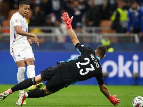 El arbitro de Francia vs. España explica por qué no anuló el gol de Mbappé