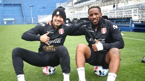 Gianluca Lapadula y Jefferson Farfán juegan de delanteros en la Selección Peruana.