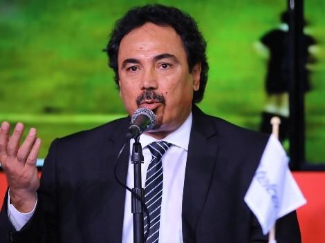 Estrella de El Salvador llama bocón a Hugo Sánchez y lo denuncia por racismo