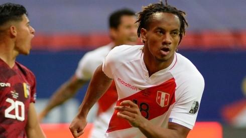 Andre Carrillo of Peru celebrates after scoring