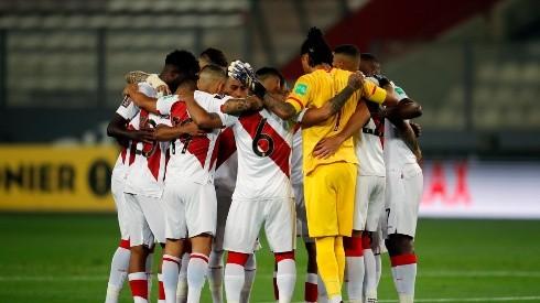 ¿Quiénes deben ser los 11 jugadores de Perú contra Argentina?