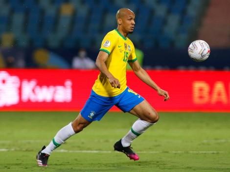 """Fabinho fala sobre comparações da Seleção Brasileira com europeias: """"Difícil"""""""
