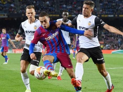 Lo sacaron de su puesto: Sergiño Dest se luce en Barcelona previo a El Clásico