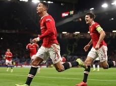 La imagen de los hinchas de Manchester United, erizan la piel: cantos para Cristiano