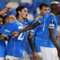 Chucky Lozano salió y Napoli goleó por la Europa League