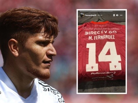 Leo Gil se lleva de regalo la camiseta de Mati Fernández