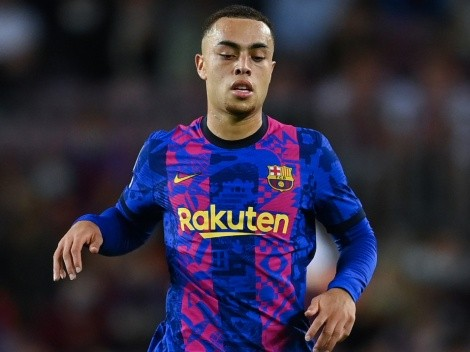 Barcelona's Sergiño Dest misses a clear sitter: Funniest memes and reactions