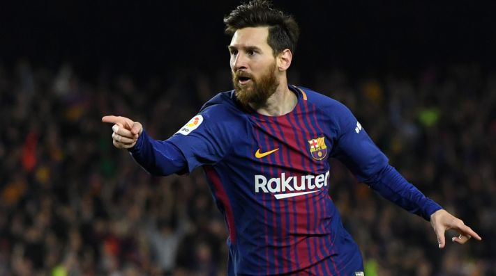 Manchester City reportedly plan to offer Lionel Messi a 3-year contract (Getty).
