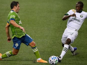 Portland Timbers vs Seattle Sounders: Portland Timbers' Diego Chará (right) and Seattle Sounders midfielder Nicolás Lodeiro battle for the ball (Getty).