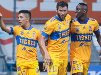 Tigres players celebrate against Monterrey (Getty).