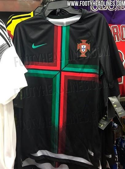56f43fa51d La camiseta negra tiene una cruz con los colores de la bandera de Portugal