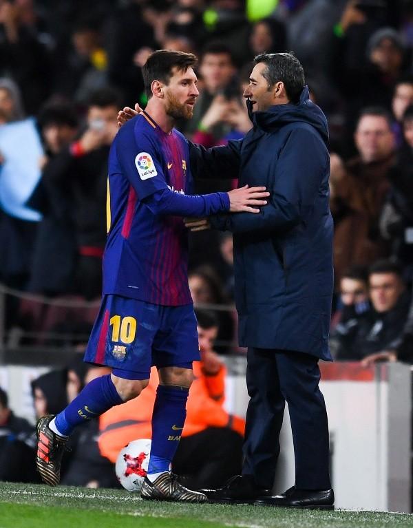 Messi entrenó con Barcelona, pero es duda frente al Sevilla