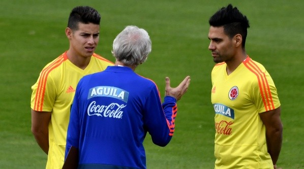 Foto de James Rodriguez con Radamel Falcao